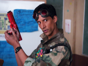 1X23_Abed_with_a_paintball_gun