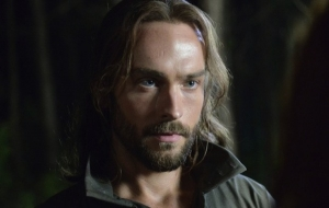 Sleepy-Hollow-1x04-The-Lesser-Key-of-Solomon-6