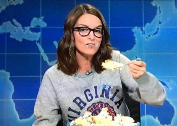 Tina Fey Returns To SNL For Smackdown